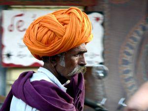 Orange-Turban,-Rhajastan,-Inida.jpg