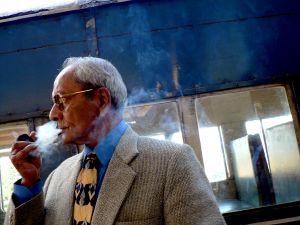 Pipe-Smoker,-Darjeeling,-India.jpg