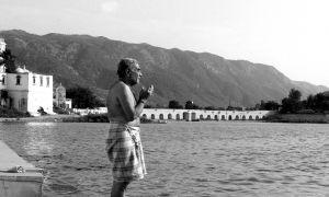 Prayers,-Pushkar,-India.jpg