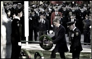 Mayor-Robertson,-Remembrance-Day.jpg