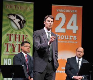 Mayor-Robertson-2006-leadership-debate.jpg