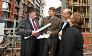 Jim-Green,-Mayor-Robertson-Woodwards.jpg