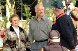 Jack-Layton-w-Seniors.jpg