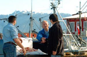 Jack-Layton-w-fishermen.jpg